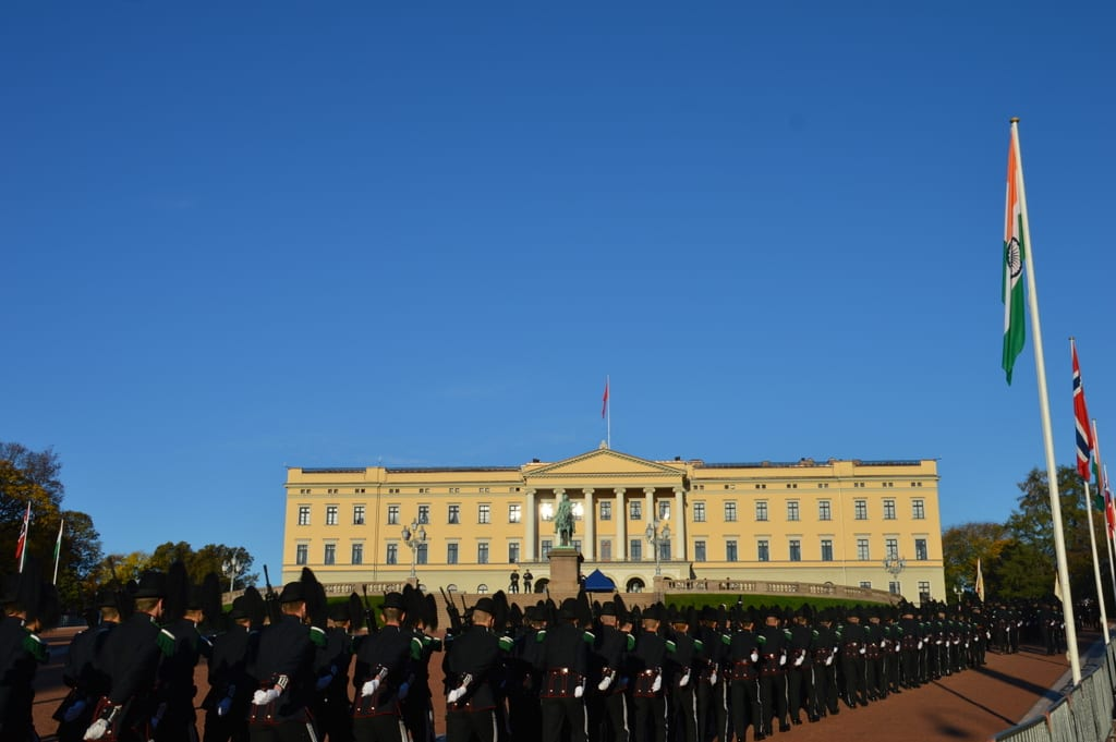 Photo: The Royal Castle Oslo. Waiting for the President of India.